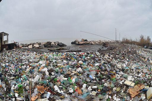 Al vaglio della Suprema Corte gli elementi costitutivi del delitto di attività organizzate per il traffico illecito di rifiuti