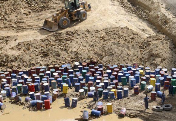 Attività organizzate per il traffico illecito di rifiuti: il labile confine della fattispecie, anche alla luce dell'art. 51, comma 3 bis c.p.p.
