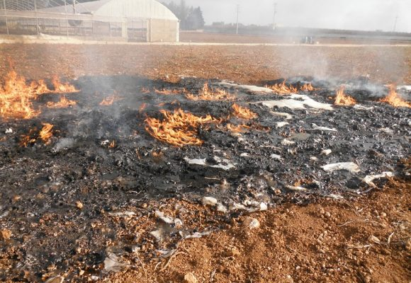 La combustione di rifiuti è illecita se illecito ne è il deposito: una condizione imposta dal principio di tassatività