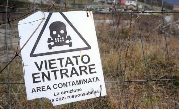 Condizioni e presupposti necessari a fondare l'obbligo di bonifica di siti interessati dalla presenza di sostanze contaminanti