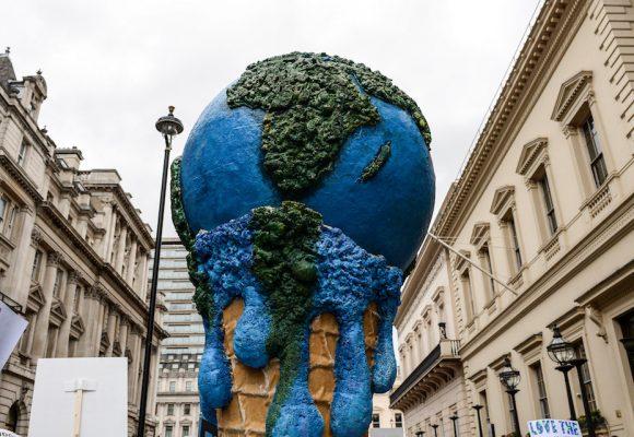 Une politique trop frileuse de réduction des émissions de gaz à effet de serre viole les articles 2 et 8 la Convention Européenne des Droits de l'Homme.