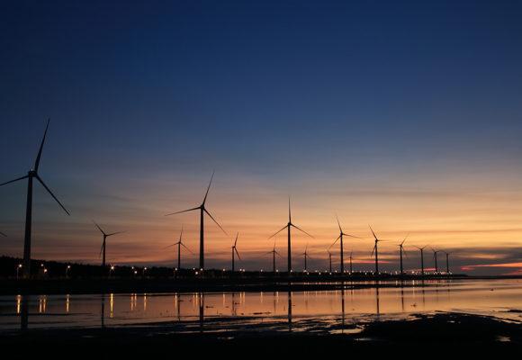 Pubblicati il regolamento UE sulla governance dell'energia e per il clima, la direttiva sulla promozione dell'uso dell'energia rinnovabile e quella sull'efficienza energetica