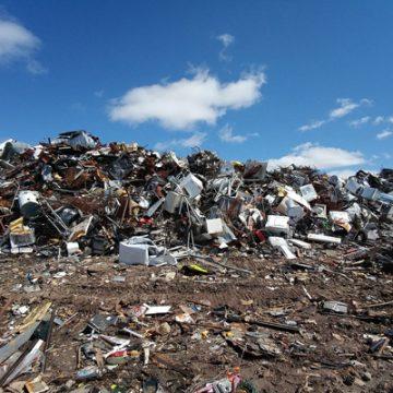 L'Adunanza Plenaria chiarisce gli obblighi di intervento del curatore fallimentare rispetto ad interventi di bonifica e rimozione dei rifiuti